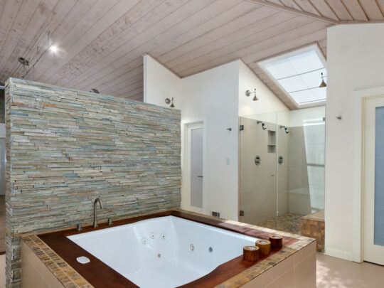 Custom Bathroom Renovations-Fort Myers Home Remodeling Team-We do kitchen & bath remodeling, home renovations, custom lighting, custom cabinet installation, cabinet refacing and refinishing, outdoor kitchens, commercial kitchen, countertops and more