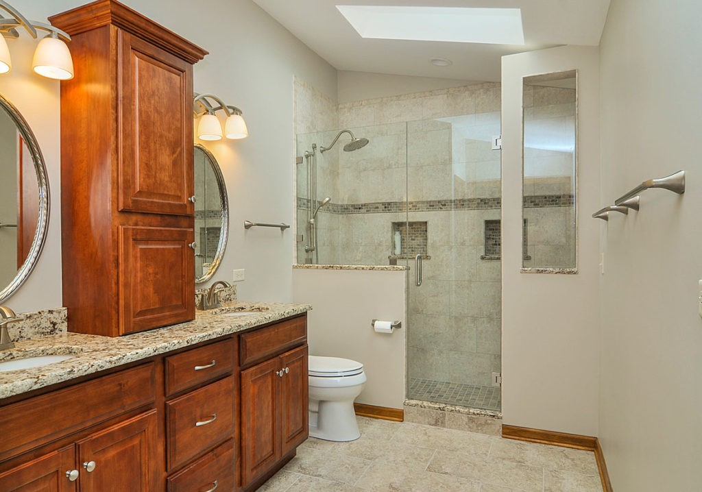 Marco Island-Fort Myers Home Remodeling Team-We do kitchen & bath remodeling, home renovations, custom lighting, custom cabinet installation, cabinet refacing and refinishing, outdoor kitchens, commercial kitchen, countertops and more