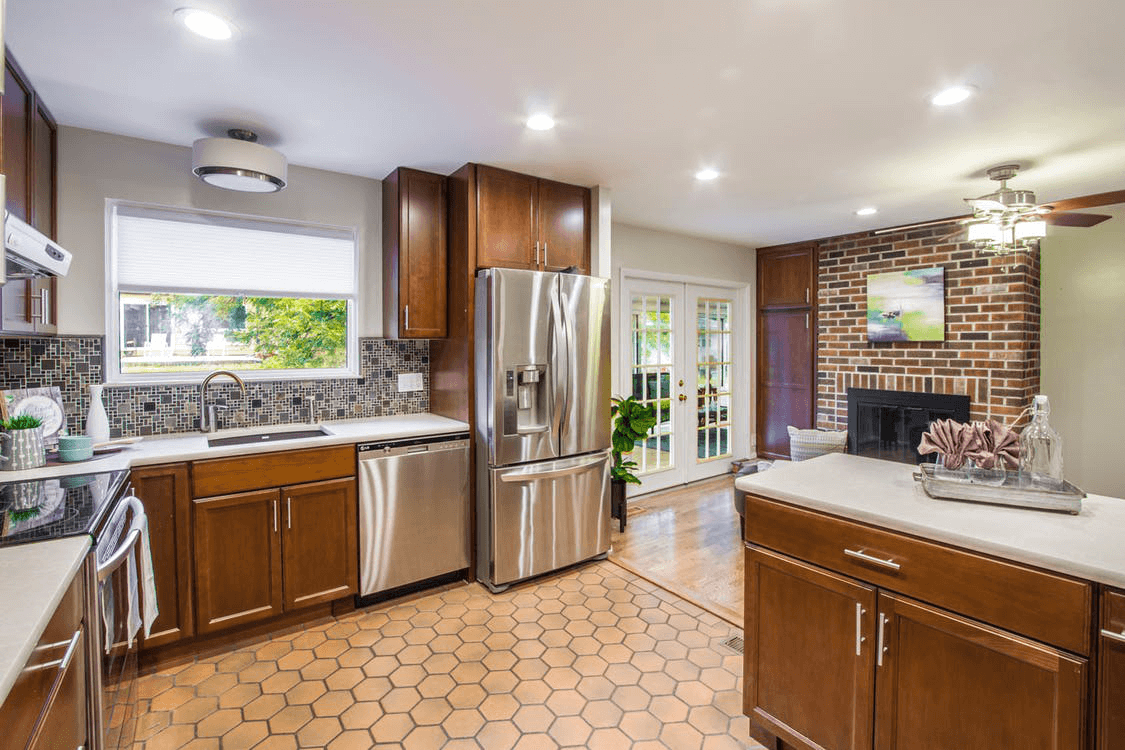 Sanibel-Fort Myers Home Remodeling Team-We do kitchen & bath remodeling, home renovations, custom lighting, custom cabinet installation, cabinet refacing and refinishing, outdoor kitchens, commercial kitchen, countertops and more